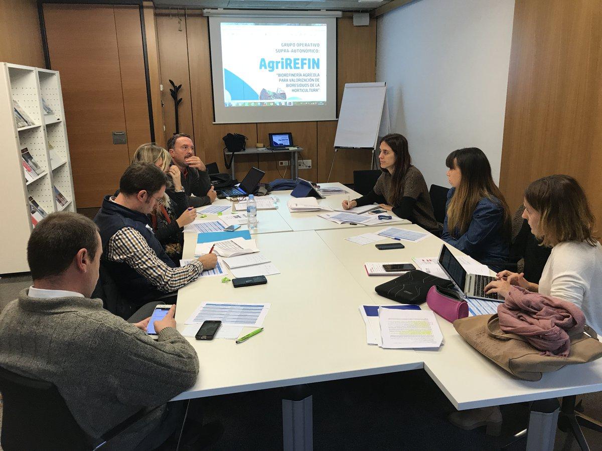 (Español) Reunión del 'Grupo Operativo AGRIREFIN: Biorrefinería agrícola para la valorización de biorresiduos de horticultura' en Valencia